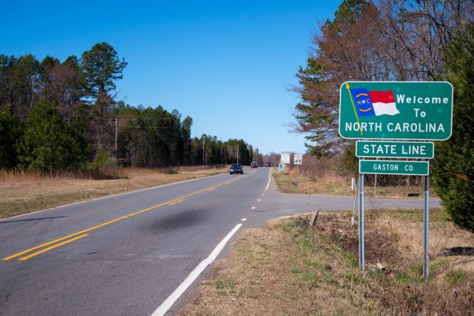 North Carolina state line| © Mark Clifton/Flickr