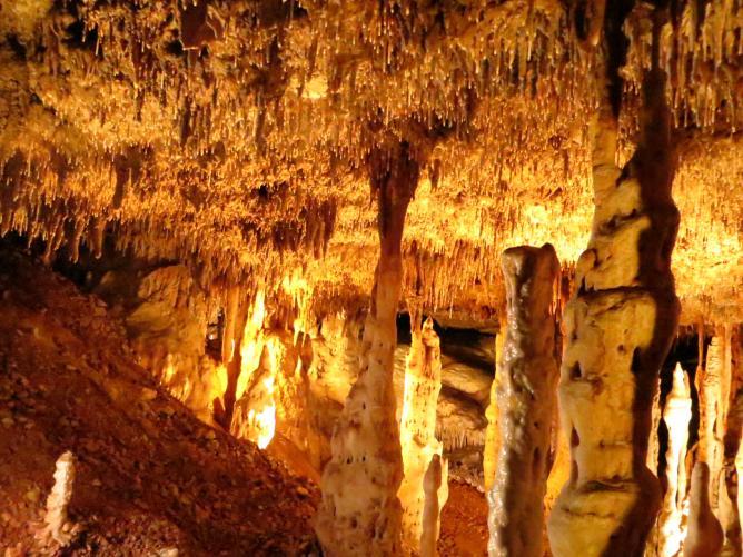Blanchard Spring Caverns | © Tabish Fayyez/Flickr