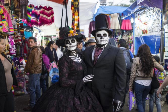 Celebrating Mexico S Day Of The Dead In San Andr 233 S Mixquic