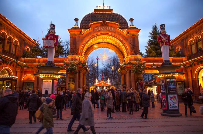 Entrance to Tivoli | © NewsOresund/WikiCommons