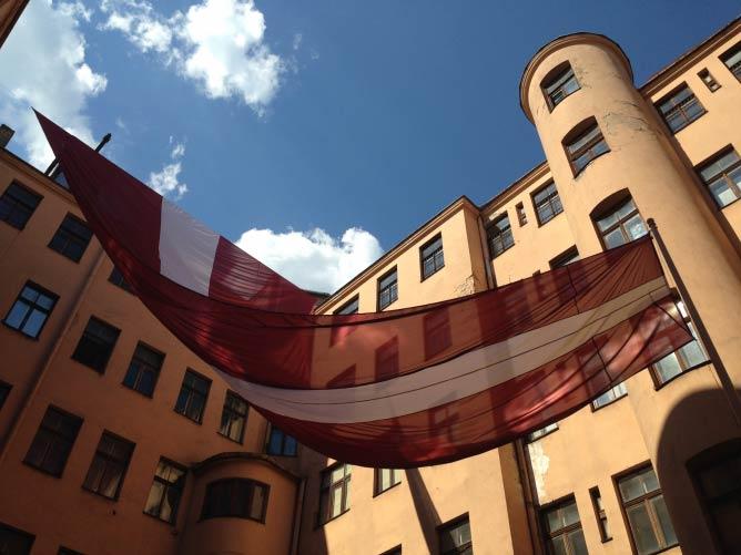 The Latvian Flag | © Lani Seelinger
