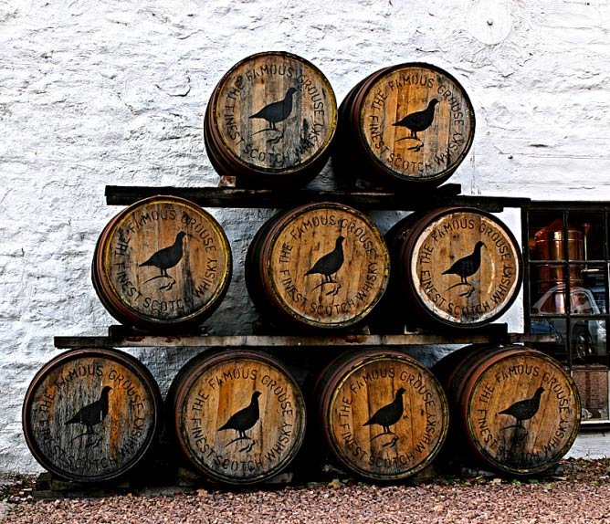 A Toast to Burns at the Famous Grouse Distillery in Crieff © Famous Grouse Photographs WikiCommons