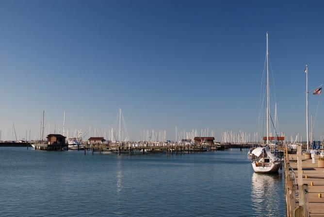 Waukegan Harbor   © Michael/Flickr