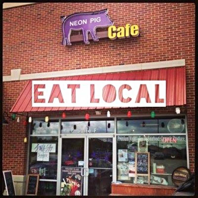 Neon Pig Cafe Exterior | Courtesy of Neon Pig Cafe