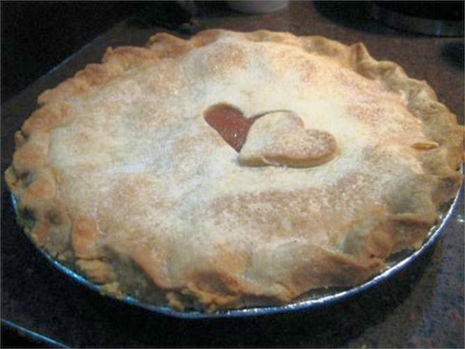 Apple Pie from Carriage Crossing Restaurant | © Sheila Scarborough/Flickr