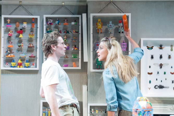 HELLO/GOODBYE at the Hampstead Theatre © Manuel Harlan