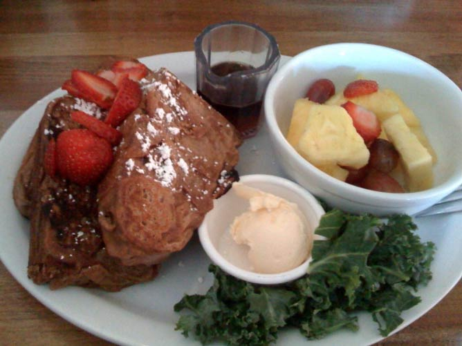 French Toast at Flore   Flickr/Sean Bonner
