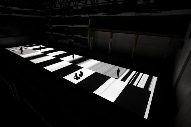 Ryoji Ikeda, test pattern [no.5], 2013, audiovisual installation at Carriageworks. Commissioned and presented by Carriageworks and ISEA2013 in collaboration with Vivid Sydney. Image Zan Wimberley | © Carriageworks/WikiCommons