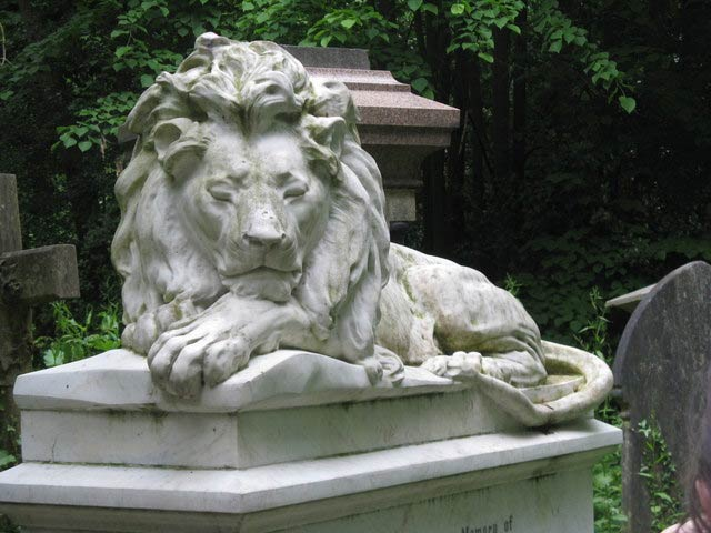 Abney Park Cemetery, London | © Dave Pickersgill