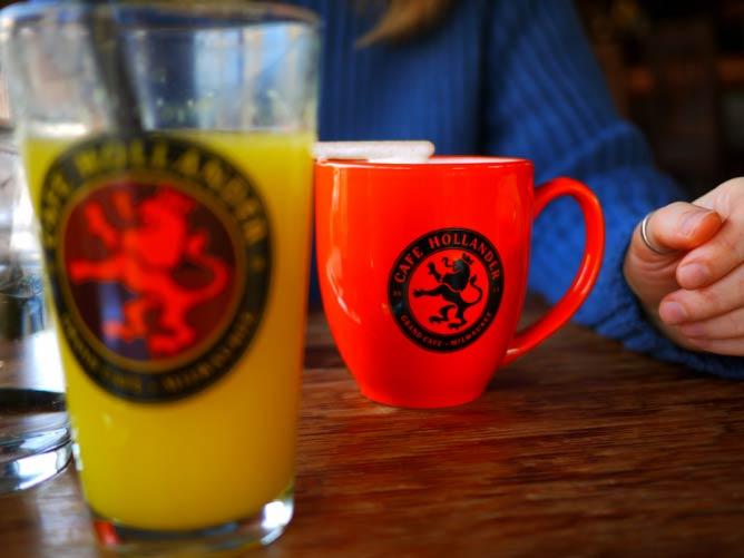 Drinks at Café Hollander   © Adam Burke/Flickr