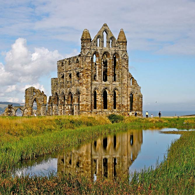Whitby Castle | WikiCommons/Mike Peel