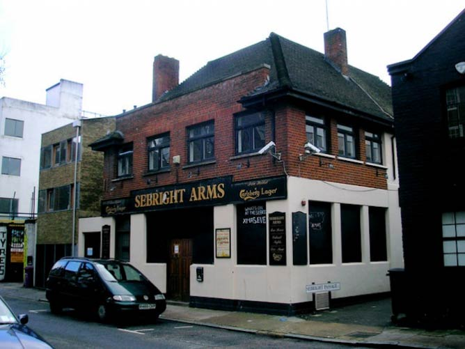 The Sebright Arms Pub | © Dr Neil Clifton/Creative Commons License