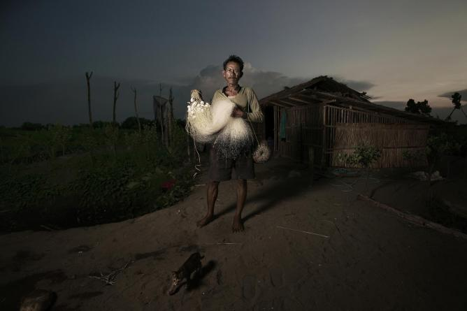 © Agus Purnomo, Indonesia, Shortlist, People, Open Competition, 2015 Sony World Photography Awards