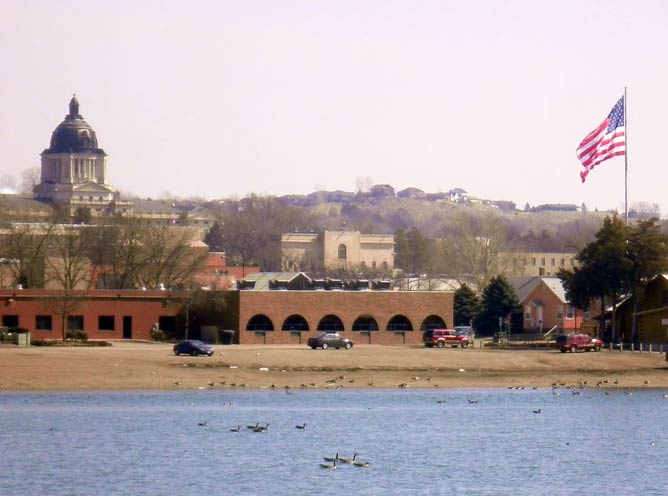 Pierre, South Dakota, on the Missouri River | © Alanscottwalker/WikimediaCommons