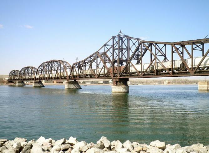 Pierre's railroad bridge over the Missouri River | © Alanscottwalker/WikimediaCommons