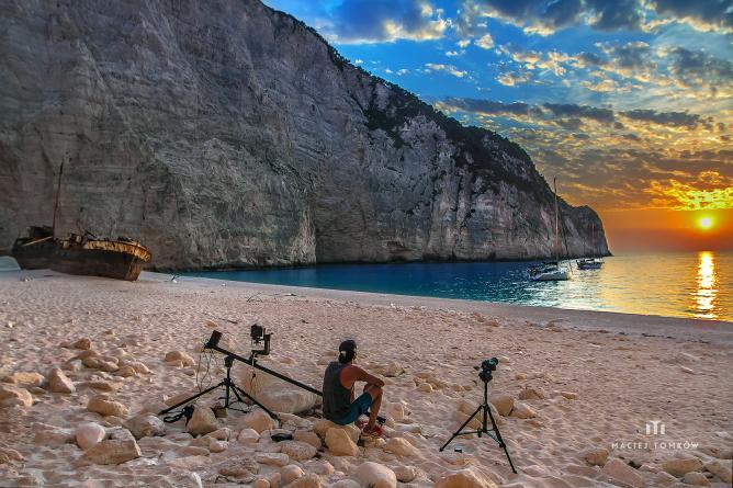 Shooting at Navagio Shipwreck Beach | © Maciej Tomkow