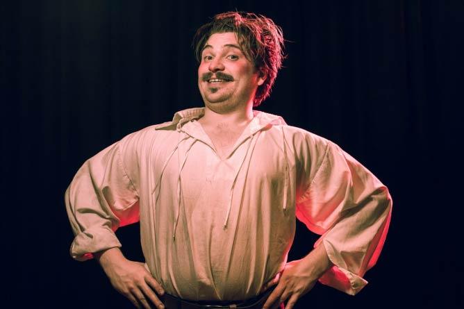 Artistic Director Brice Stratford as Ralph Roister Doister © Simon Bendix Borregaard