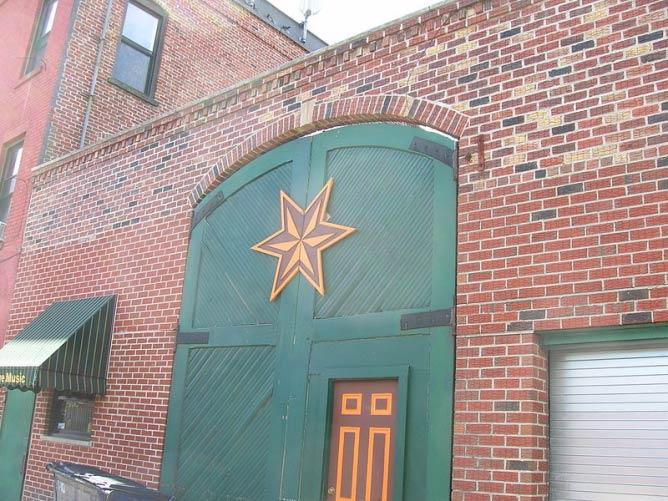 Sixpoint Brewery Door | © Wikimedia Commons
