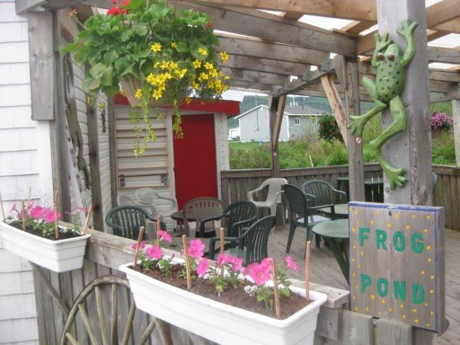 Frog Pond Cafe