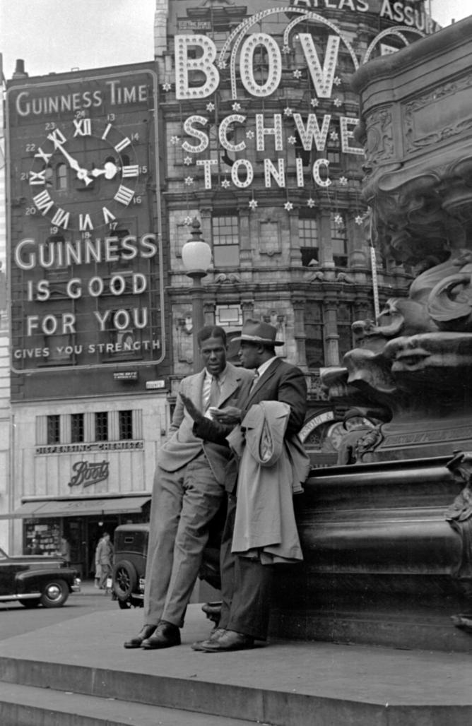 'Piccadilly Circus, London, 1949' – Getty Images