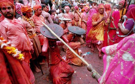 Lath Mar Holi at Braj. © Ekabhishek/WikiCommons