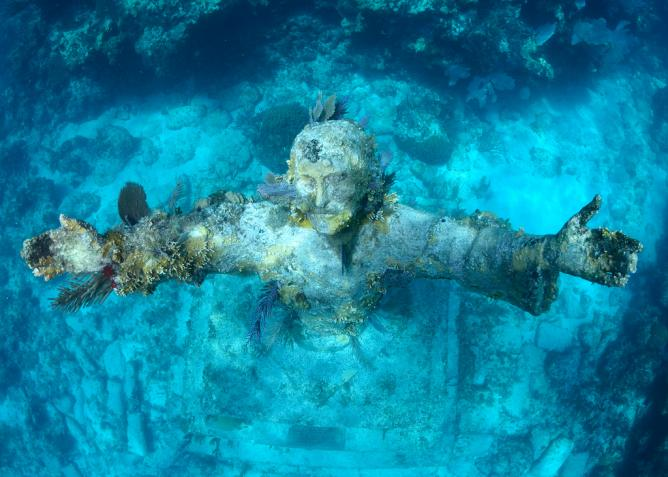 Christ of the Abyss | © Wilfred Hdez Flickr