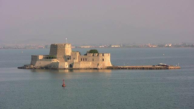 Bourtzi Castle, Nafplio Bay - Greece | © Troy McKaskle/Flickr