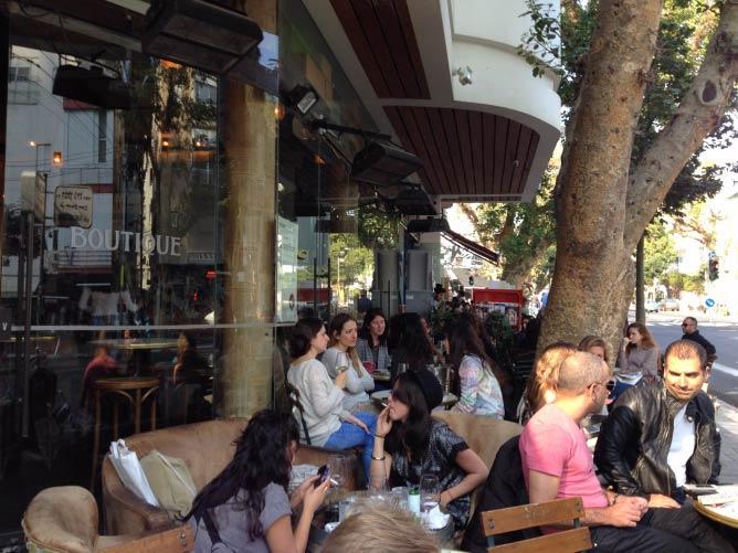 Boutique Wine Bar; Image Credit: Zo Flamenbaum
