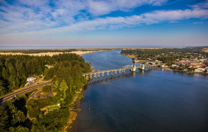 The Siuslaw River Bridge in Florence | © Curt Peters/Courtesy of Florence Area Chamber of Commerce