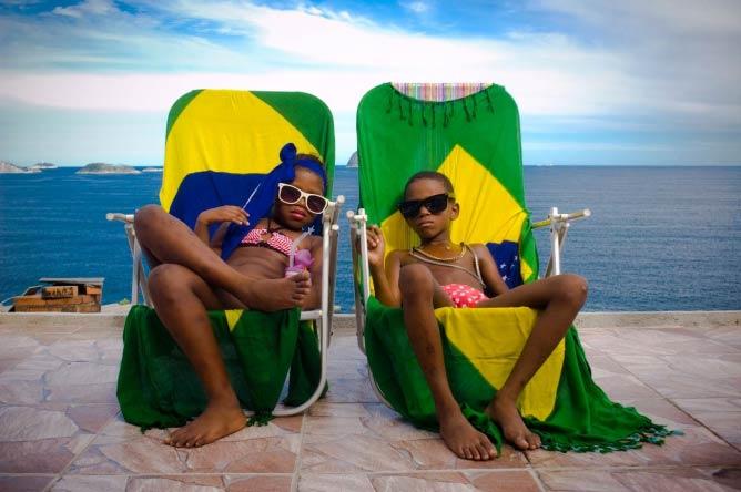 Les riches à la plage 2, Pedro Henrique et Estefany,6 et 7 ans, Favela de Vidigal