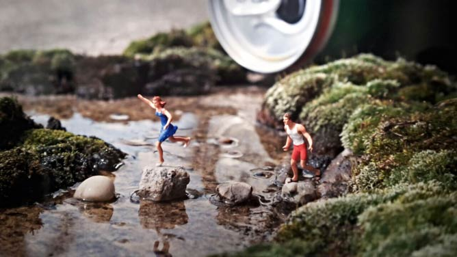 The Stream by Slinkachu| Image by Imme Dattenberg-Doyle