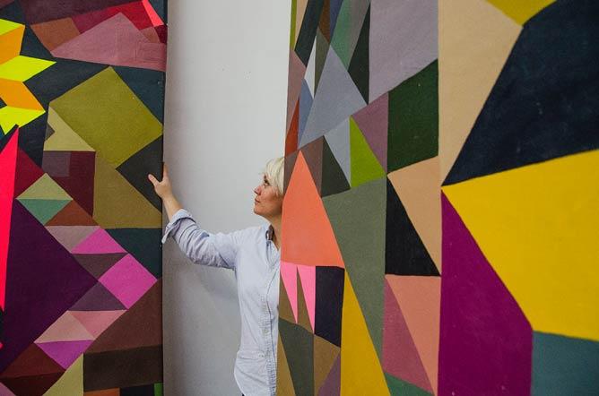 C. Finley installs her work at Superchief © Marnie Sehayek