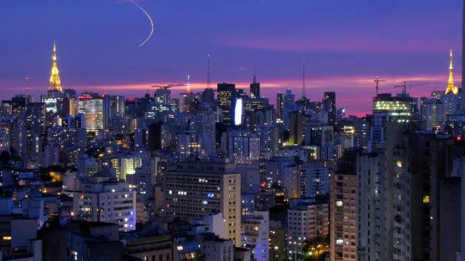 São Paulo skyline at night | © Júlio Boaro/Flickr