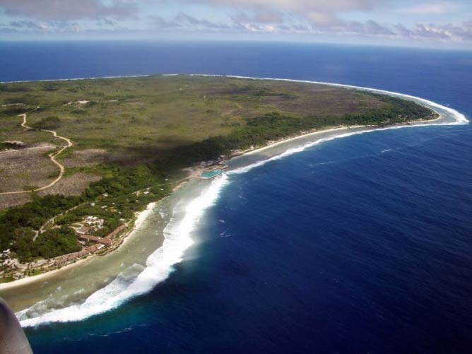 The east side of the island of Nauru | © Cedri/FlickrCommons
