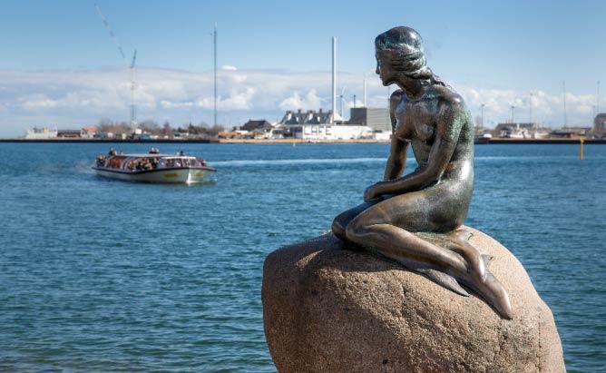 The Little Mermaid Copenhagen |© News Oresund/Flickr