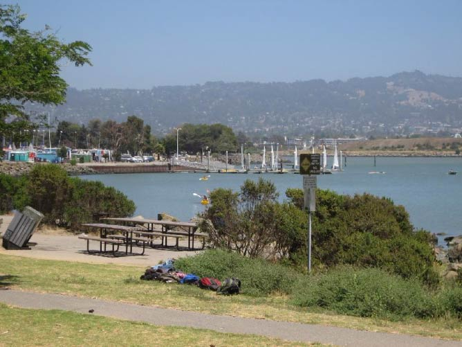 Picnic tables along the Berkeley Marina | © Shaina Potts/Living New Deal