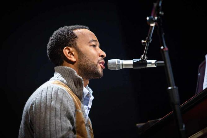 John Legend at PopTech 2010 | © Kris Krüg/Flickr