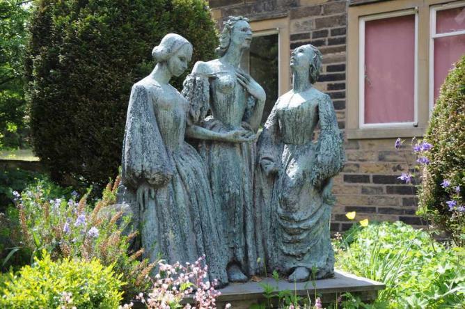 Statue of the Brontë Sisters at the Brontë Parsonage Museum | © Philip Halling