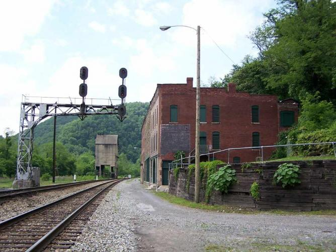 Top 10 Eerie Ghost Towns Across The Usa