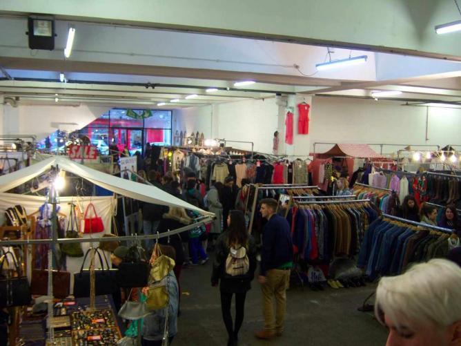 Sunday Upmarket: Photo courtesy of D4n2elle, Wiki Commons
