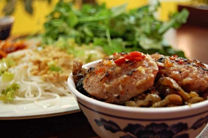 Bun cha in Hanoi | © Stu Spivack/Flickr