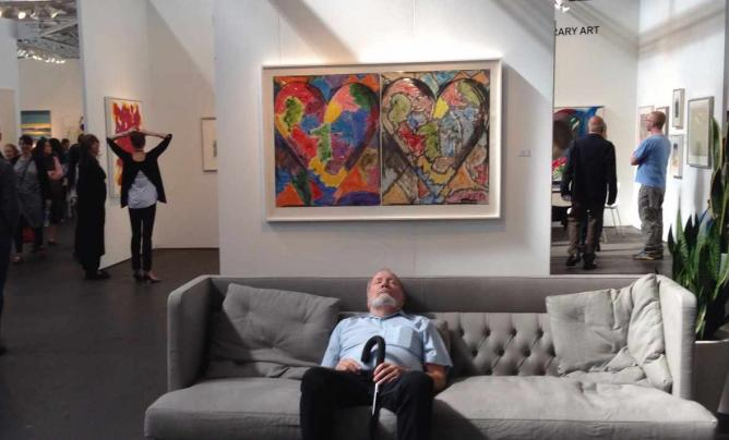 Art Appreciator Takes a Nap in front of a Jum Dine Painting / © JoAnneh Nagler