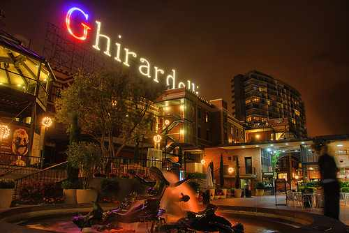 Ghirardelli Sqaure: © Thomas Hart/Flickr