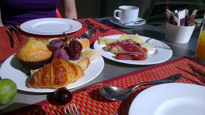 Austrian-style Breakfast © William J Sisti/Flickr