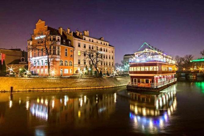 The Tumski hotel and Barka Tumska | © Sławomir Milejski/WikiCommons