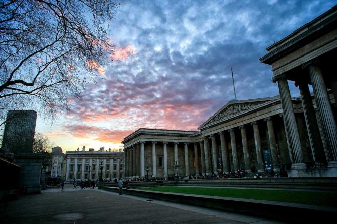British Museum at sunset   © Paul Hudson/Flickr