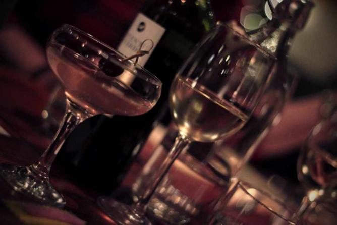 Cocktails and Wine, The Butchershop | © Pamela Graham/Flickr