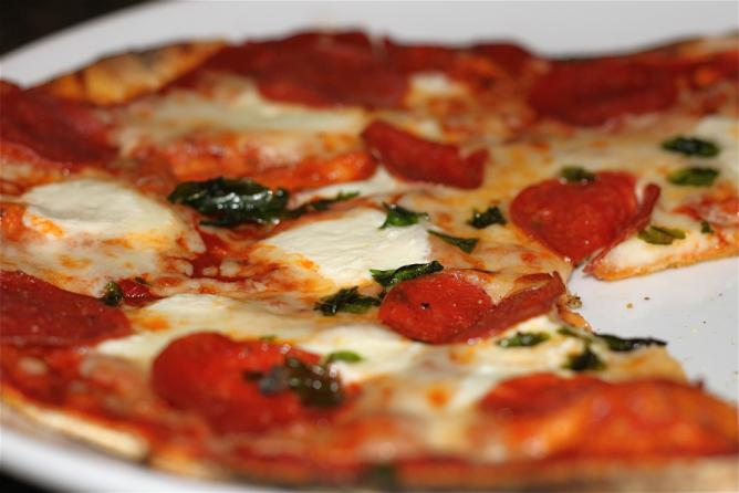 Pepperoni Flatbread | © Charleston's TheDigitel/Flickr