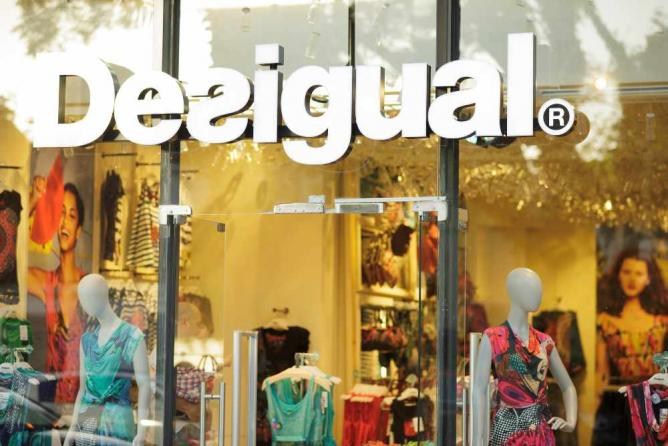 Spanish Brand Desigual | © Jimmy Baikovicius/ Flickr