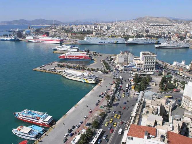 Port of Piraeus | © Nik7/WikiCommons